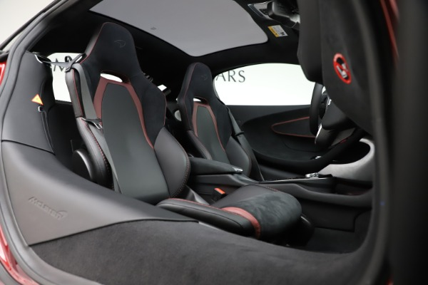 New 2020 McLaren GT Coupe for sale $249,275 at Bentley Greenwich in Greenwich CT 06830 17