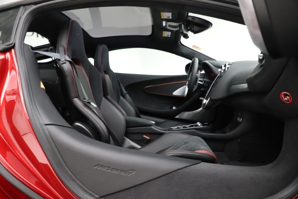 New 2020 McLaren GT Coupe for sale $249,275 at Bentley Greenwich in Greenwich CT 06830 18