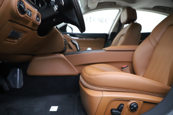 New 2019 Maserati Quattroporte S Q4 for sale $121,065 at Bentley Greenwich in Greenwich CT 06830 14