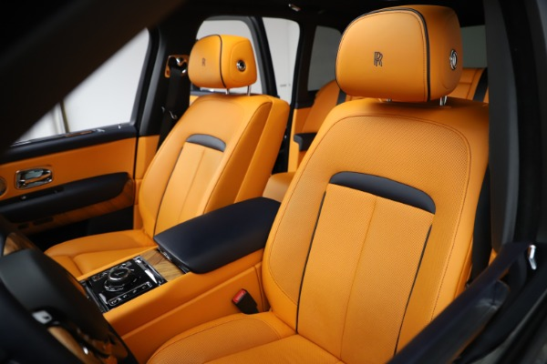 Used 2019 Rolls-Royce Cullinan for sale $349,900 at Bentley Greenwich in Greenwich CT 06830 10