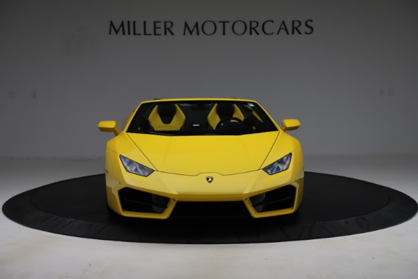 Used 2018 Lamborghini Huracan LP 580-2 Spyder for sale $203,900 at Bentley Greenwich in Greenwich CT 06830 12