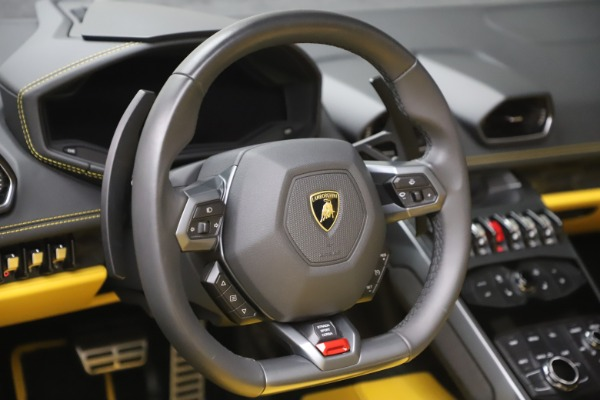 Used 2018 Lamborghini Huracan LP 580-2 Spyder for sale $203,900 at Bentley Greenwich in Greenwich CT 06830 21