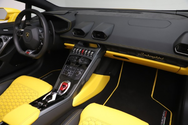 Used 2018 Lamborghini Huracan LP 580-2 Spyder for sale $203,900 at Bentley Greenwich in Greenwich CT 06830 22