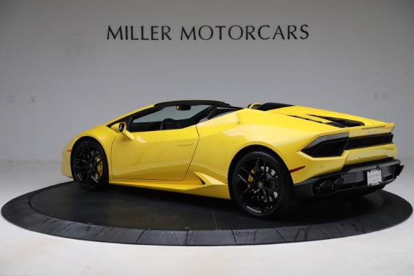 Used 2018 Lamborghini Huracan LP 580-2 Spyder for sale $203,900 at Bentley Greenwich in Greenwich CT 06830 4