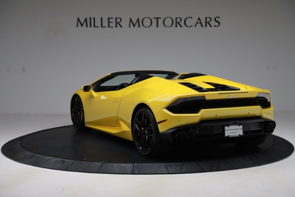 Used 2018 Lamborghini Huracan LP 580-2 Spyder for sale $203,900 at Bentley Greenwich in Greenwich CT 06830 5