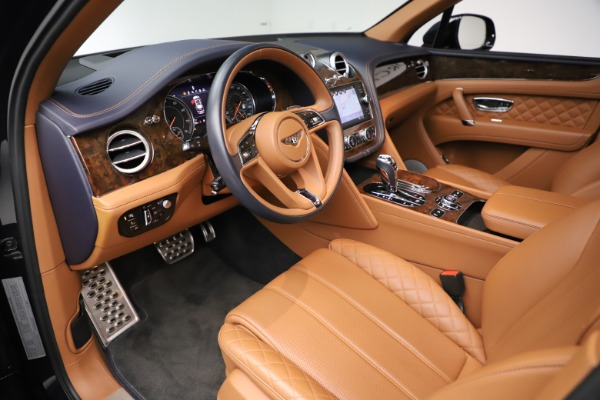 Used 2017 Bentley Bentayga W12 for sale $149,900 at Bentley Greenwich in Greenwich CT 06830 18