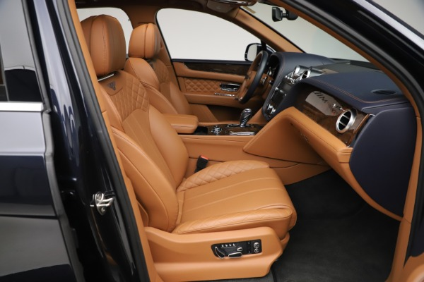 Used 2017 Bentley Bentayga W12 for sale $149,900 at Bentley Greenwich in Greenwich CT 06830 27