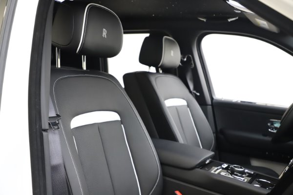 New 2020 Rolls-Royce Cullinan Black Badge for sale $451,625 at Bentley Greenwich in Greenwich CT 06830 11