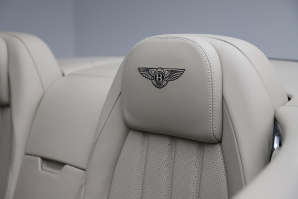 Used 2015 Bentley Continental GTC V8 for sale $109,900 at Bentley Greenwich in Greenwich CT 06830 27