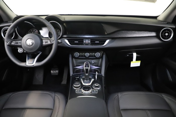 New 2020 Alfa Romeo Stelvio Q4 for sale $49,840 at Bentley Greenwich in Greenwich CT 06830 16