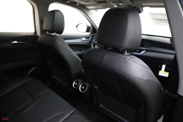 New 2020 Alfa Romeo Stelvio Q4 for sale $49,840 at Bentley Greenwich in Greenwich CT 06830 28