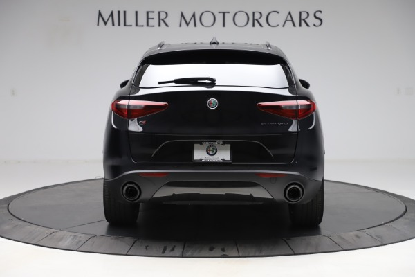 New 2020 Alfa Romeo Stelvio Q4 for sale $49,840 at Bentley Greenwich in Greenwich CT 06830 6