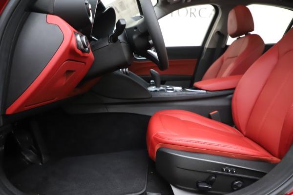 New 2020 Alfa Romeo Giulia Q4 for sale $45,740 at Bentley Greenwich in Greenwich CT 06830 14