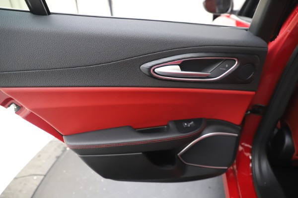 New 2020 Alfa Romeo Giulia Q4 for sale $45,740 at Bentley Greenwich in Greenwich CT 06830 21
