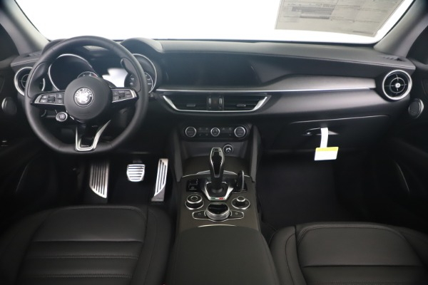 New 2020 Alfa Romeo Stelvio Ti Lusso Q4 for sale $55,790 at Bentley Greenwich in Greenwich CT 06830 16