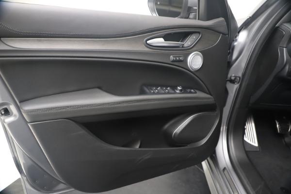 New 2020 Alfa Romeo Stelvio Ti Lusso Q4 for sale $55,790 at Bentley Greenwich in Greenwich CT 06830 17