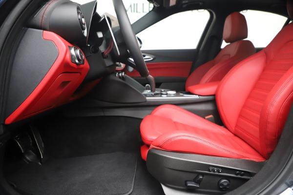 New 2020 Alfa Romeo Giulia Ti Sport Q4 for sale $53,790 at Bentley Greenwich in Greenwich CT 06830 14