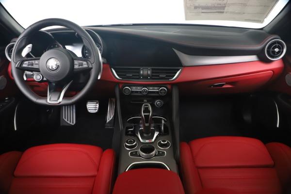 New 2020 Alfa Romeo Giulia Ti Sport Q4 for sale $53,790 at Bentley Greenwich in Greenwich CT 06830 16