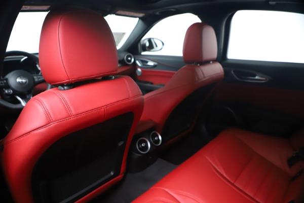 New 2020 Alfa Romeo Giulia Ti Sport Q4 for sale $53,790 at Bentley Greenwich in Greenwich CT 06830 20