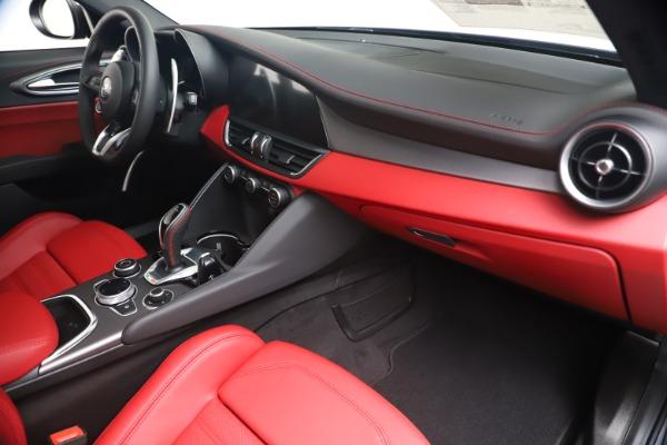 New 2020 Alfa Romeo Giulia Ti Sport Q4 for sale $53,790 at Bentley Greenwich in Greenwich CT 06830 22