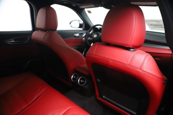 New 2020 Alfa Romeo Giulia Ti Sport Q4 for sale $53,790 at Bentley Greenwich in Greenwich CT 06830 28