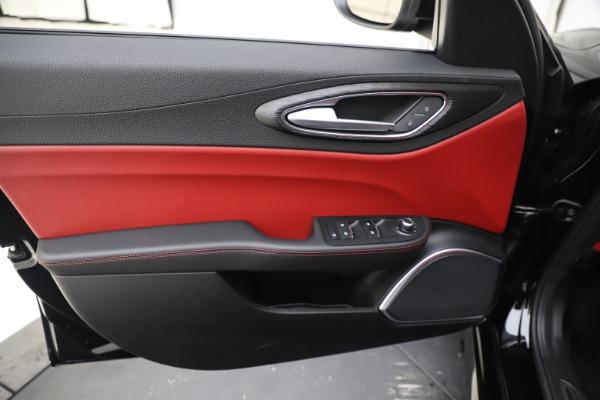 New 2020 Alfa Romeo Giulia Q4 for sale $45,740 at Bentley Greenwich in Greenwich CT 06830 17