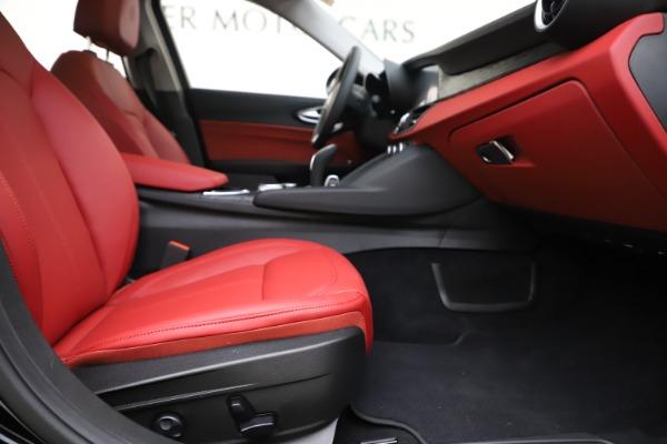 New 2020 Alfa Romeo Giulia Q4 for sale $45,740 at Bentley Greenwich in Greenwich CT 06830 23