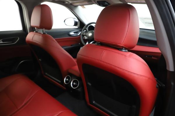 New 2020 Alfa Romeo Giulia Q4 for sale $45,740 at Bentley Greenwich in Greenwich CT 06830 28