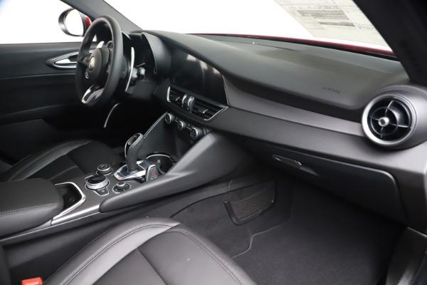 New 2020 Alfa Romeo Giulia Sport Q4 for sale $42,790 at Bentley Greenwich in Greenwich CT 06830 22
