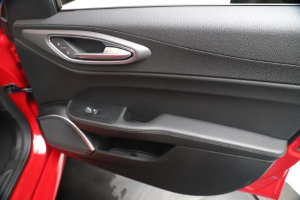 New 2020 Alfa Romeo Giulia Sport Q4 for sale $42,790 at Bentley Greenwich in Greenwich CT 06830 25
