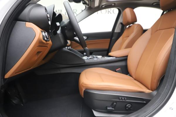 New 2020 Alfa Romeo Giulia Q4 for sale $45,590 at Bentley Greenwich in Greenwich CT 06830 15