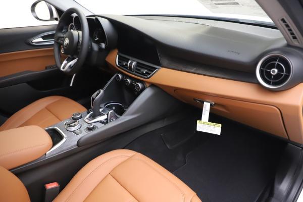 New 2020 Alfa Romeo Giulia Q4 for sale Sold at Bentley Greenwich in Greenwich CT 06830 23
