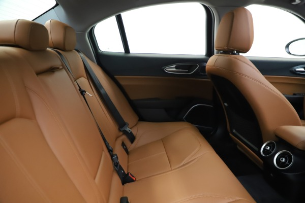 New 2020 Alfa Romeo Giulia Q4 for sale $45,590 at Bentley Greenwich in Greenwich CT 06830 28
