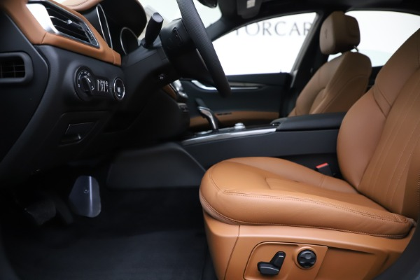 New 2020 Maserati Ghibli S Q4 for sale $79,985 at Bentley Greenwich in Greenwich CT 06830 14