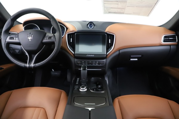 New 2020 Maserati Ghibli S Q4 for sale $79,985 at Bentley Greenwich in Greenwich CT 06830 16