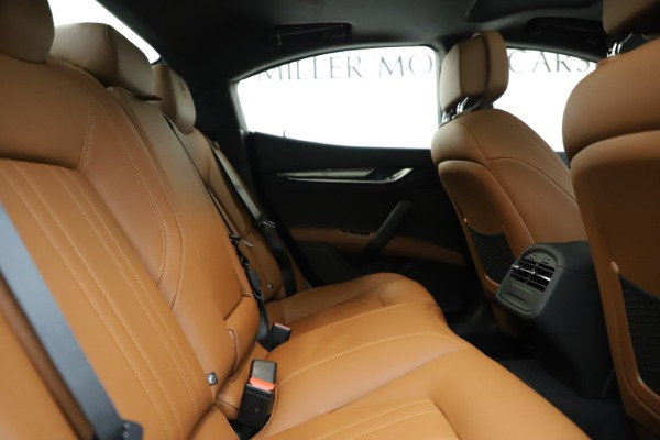 New 2020 Maserati Ghibli S Q4 for sale $79,985 at Bentley Greenwich in Greenwich CT 06830 27
