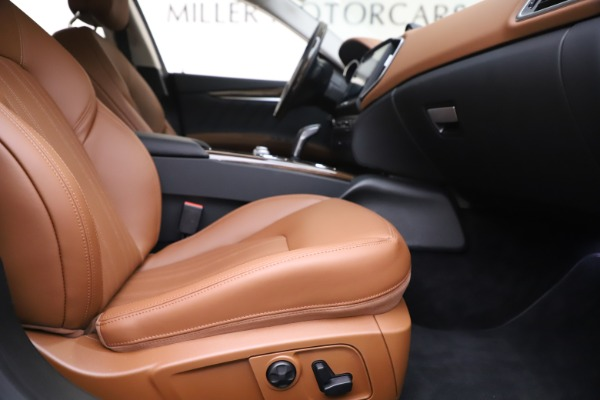 New 2020 Maserati Ghibli S Q4 GranLusso for sale Sold at Bentley Greenwich in Greenwich CT 06830 23