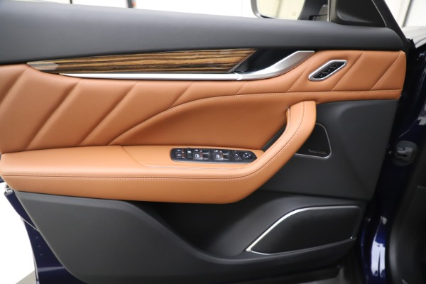 New 2020 Maserati Levante S Q4 GranLusso for sale $94,985 at Bentley Greenwich in Greenwich CT 06830 17