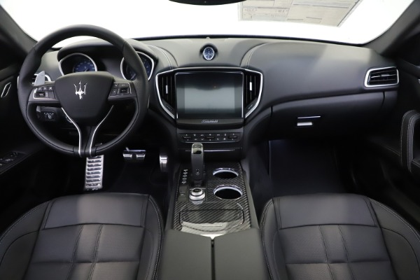 New 2020 Maserati Ghibli S Q4 GranSport for sale $90,285 at Bentley Greenwich in Greenwich CT 06830 16