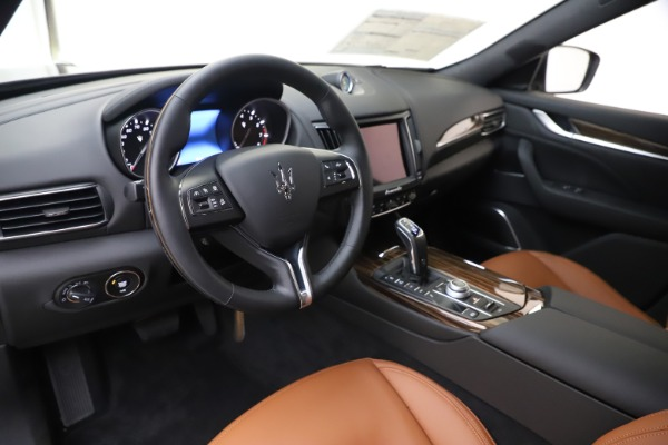 New 2020 Maserati Levante Q4 GranLusso for sale $84,985 at Bentley Greenwich in Greenwich CT 06830 13