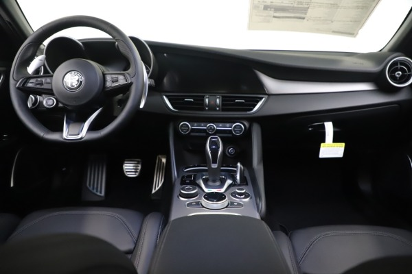 New 2020 Alfa Romeo Giulia Ti Sport Q4 for sale Sold at Bentley Greenwich in Greenwich CT 06830 16