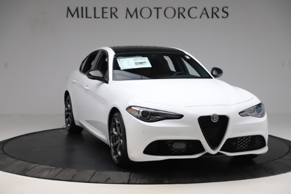 New 2020 Alfa Romeo Giulia Ti Sport Q4 for sale $53,190 at Bentley Greenwich in Greenwich CT 06830 11
