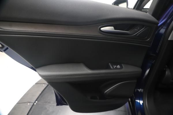 New 2020 Alfa Romeo Stelvio Ti Q4 for sale $54,340 at Bentley Greenwich in Greenwich CT 06830 21