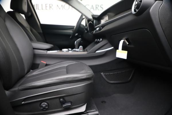 New 2020 Alfa Romeo Stelvio Ti Q4 for sale $54,340 at Bentley Greenwich in Greenwich CT 06830 23