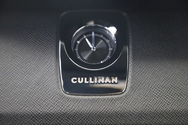 New 2020 Rolls-Royce Cullinan for sale $385,525 at Bentley Greenwich in Greenwich CT 06830 28