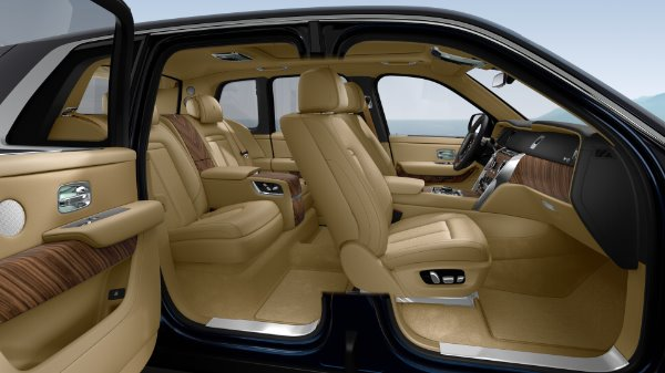 New 2020 Rolls-Royce Cullinan for sale $391,700 at Bentley Greenwich in Greenwich CT 06830 10