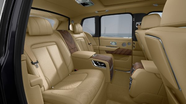 New 2020 Rolls-Royce Cullinan for sale $391,700 at Bentley Greenwich in Greenwich CT 06830 8