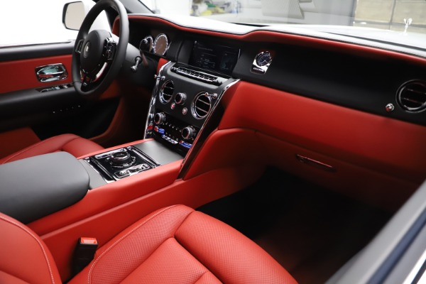 New 2020 Rolls-Royce Cullinan for sale Call for price at Bentley Greenwich in Greenwich CT 06830 14