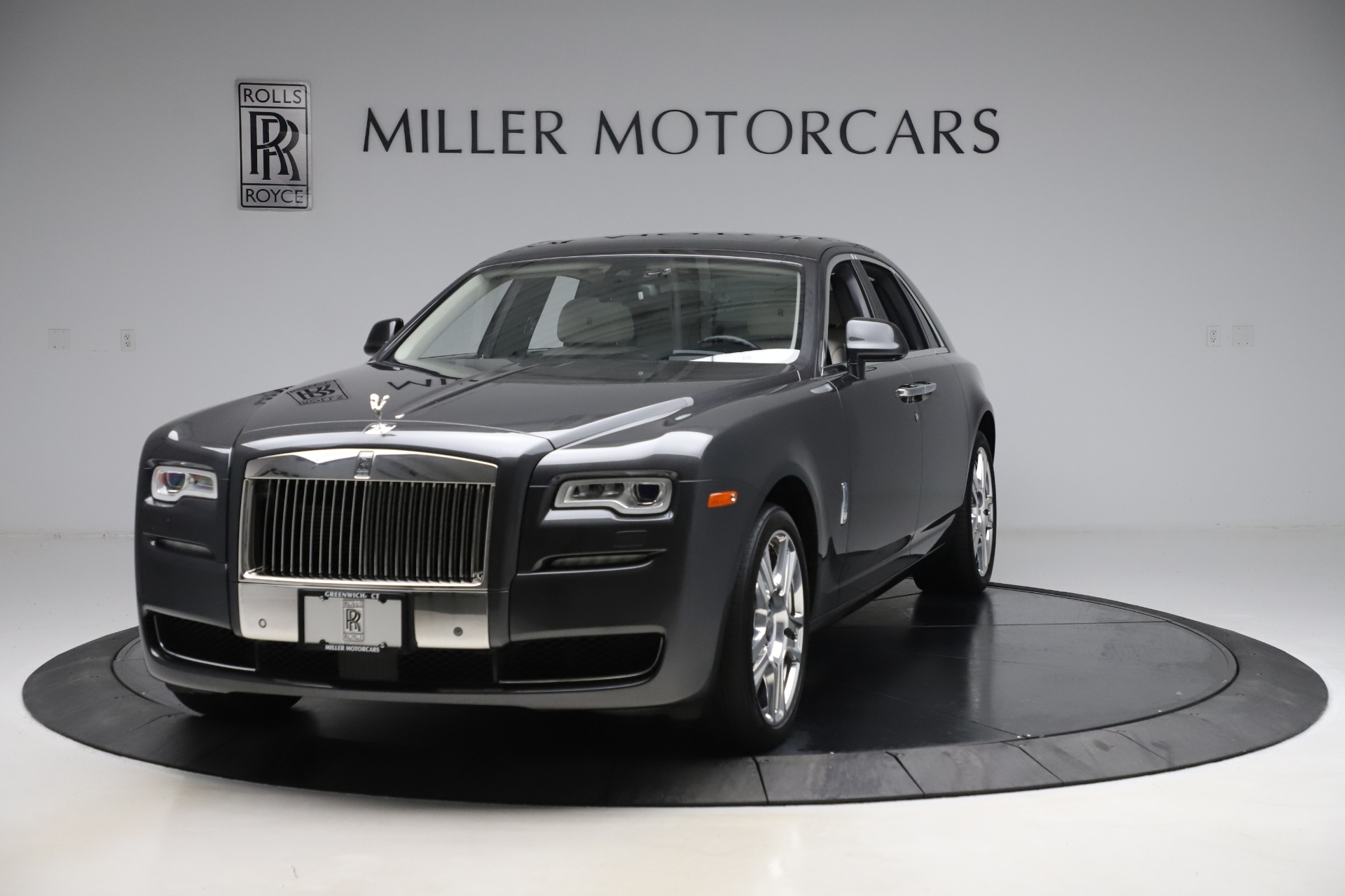 Used 2016 Rolls-Royce Ghost for sale $178,900 at Bentley Greenwich in Greenwich CT 06830 1