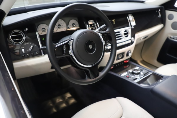 Used 2015 Rolls-Royce Ghost for sale $157,900 at Bentley Greenwich in Greenwich CT 06830 19
